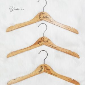 Bride & Groom 02- Wedding Hanger